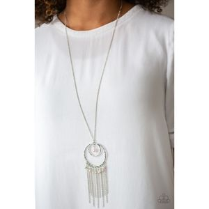 Out of Bounds Shimmer Pendant Fringe Necklace Set
